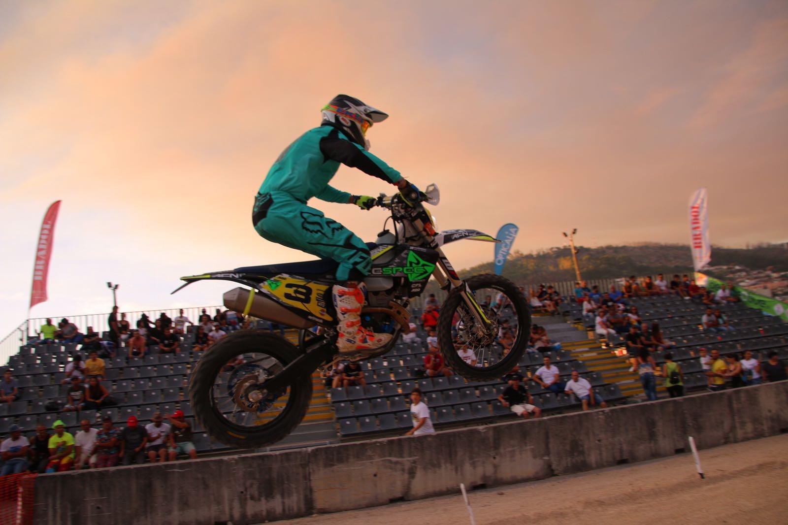 Racespec|Husqvarna|CFL obtém pontos importantes em Baltar