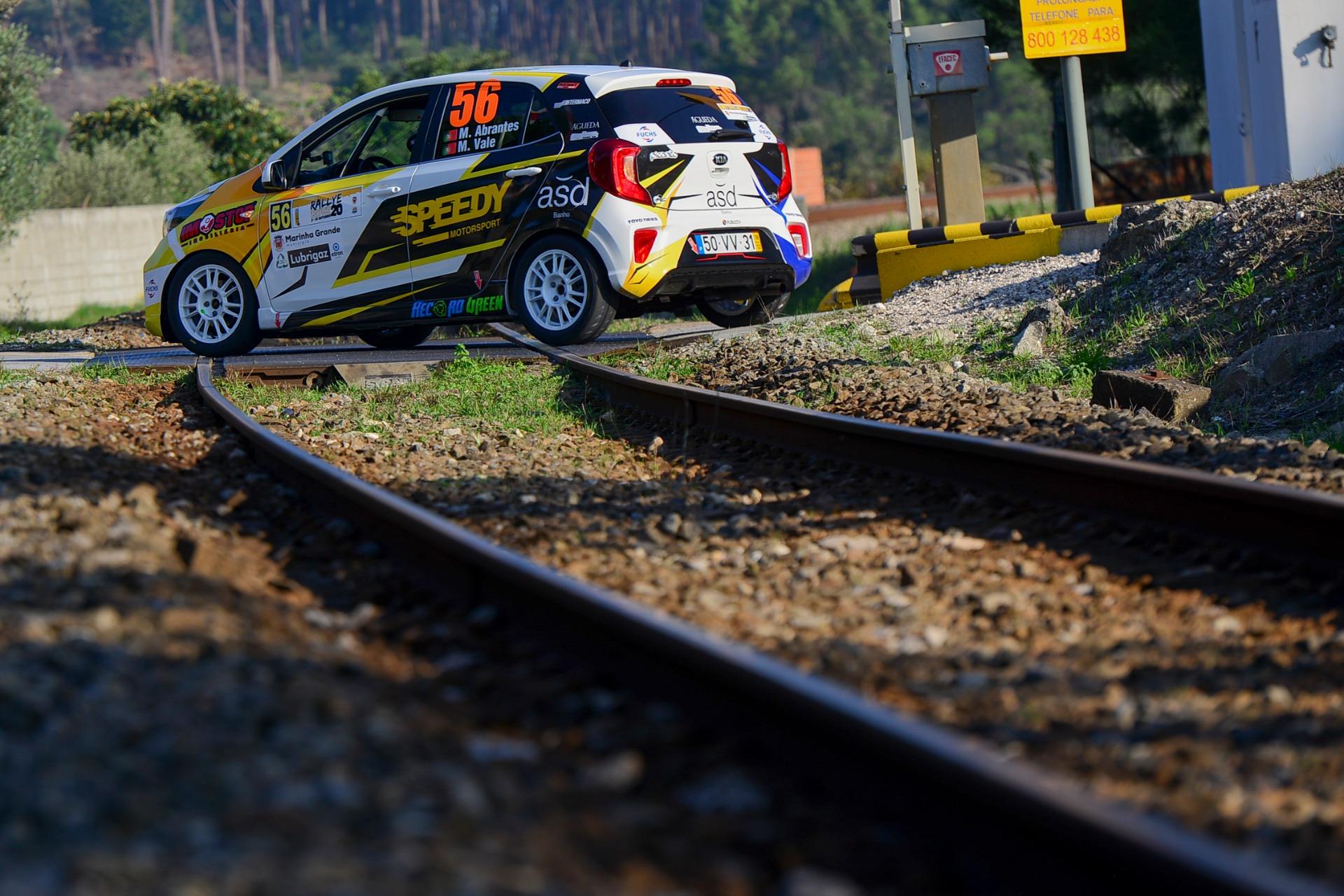 Miguel Abrantes lidera KIA Picanto Rally Cup